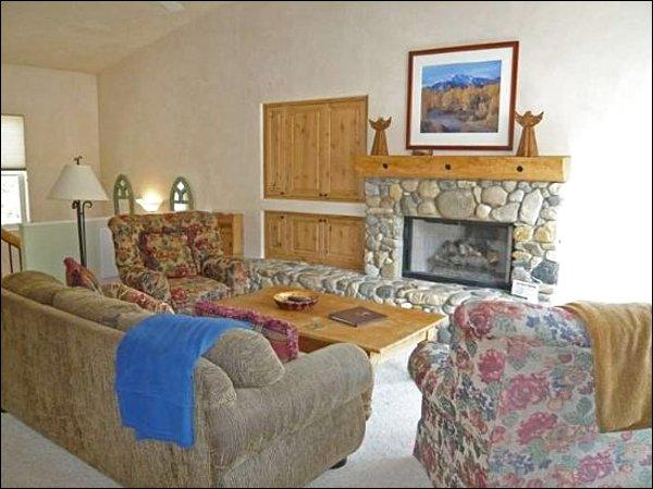 Classic Country Furnishings in Living Room - Ideal Location Near River Run - Generous Layout for a Family (1035) - Ketchum - rentals