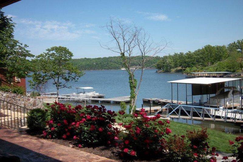 Gorgeous views - Luxury Log Cabin - Lake Ozark - rentals