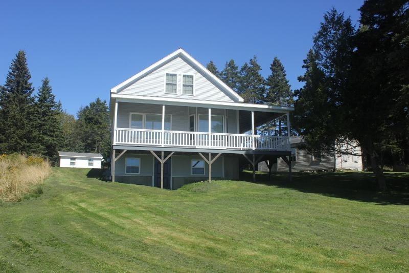 Sam's Cottage - Sam's Cottage-Clean, In-Town Home with Grand Views - Stonington - rentals