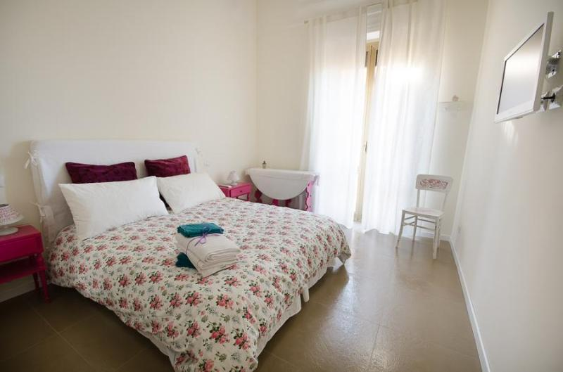 Central 2 Bedrooms Apartment  close to Colosseum - Image 1 - Rome - rentals