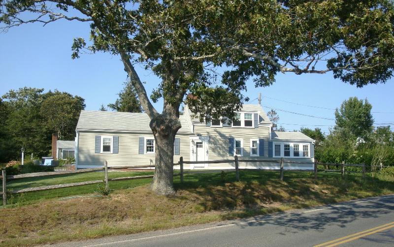 Gosnold Manor - Gosnold Manor 400 Yards from Veterans Park Beach - Hyannis - rentals