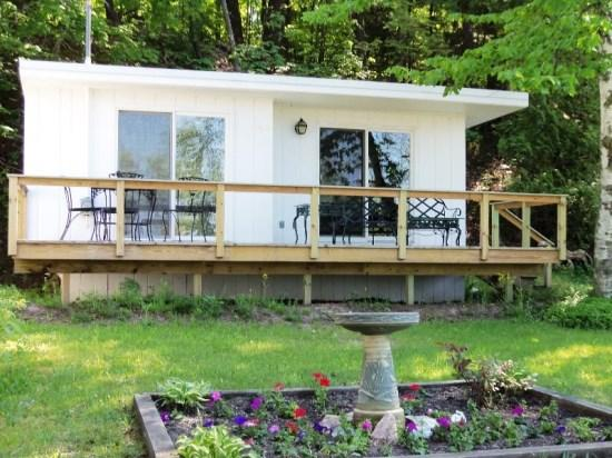 Front View - Quaint Studio Cottage on Crystal Lake - Frankfort - rentals