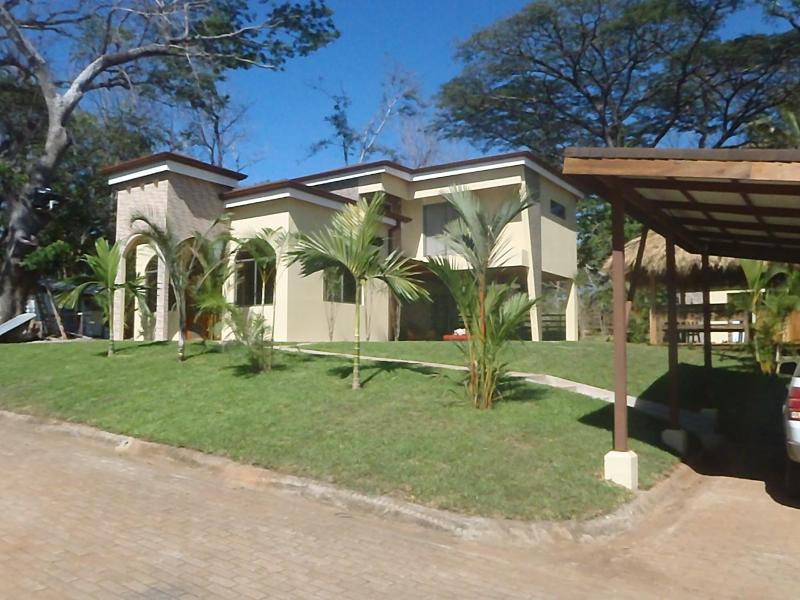 Casa Amada Rent 7 Nights Get Two FREE - Image 1 - Tambor - rentals
