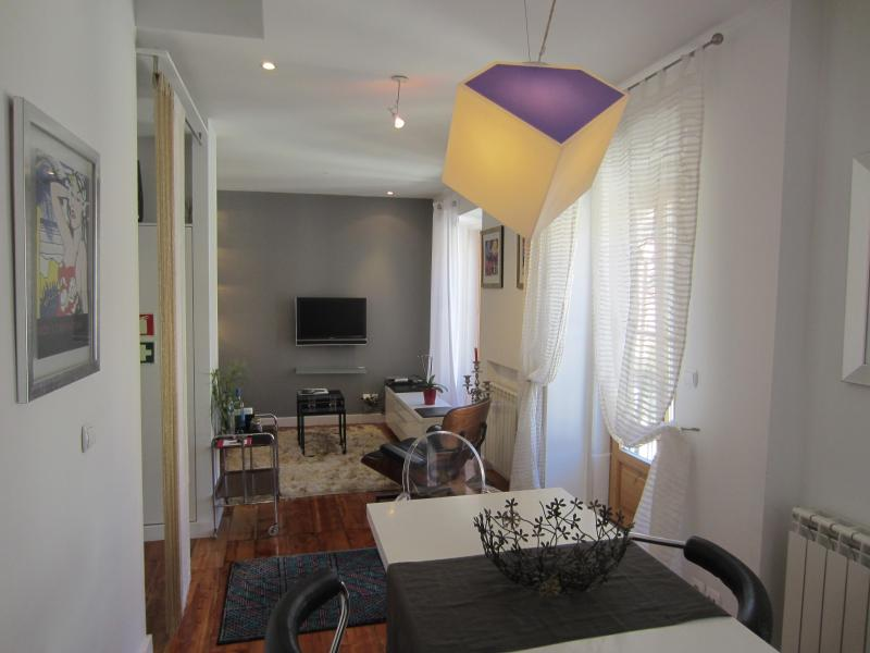 Diva5 -Beautiful apartment in the center of Lisbon - Image 1 - Lisbon - rentals
