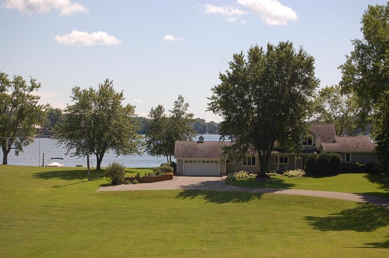 Mystic Loon Lake Cottage - Northern Loon Vacation Cottage on Prior Lake - Prior Lake - rentals