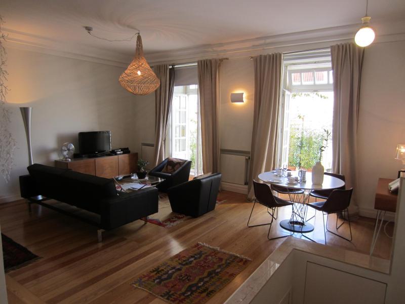 Inglesinhos II - Fantastic Studio apartment - Image 1 - Lisbon - rentals