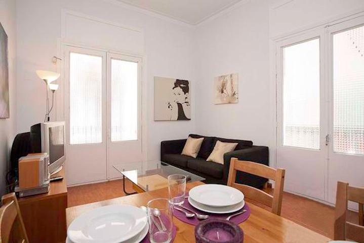 Born Canvis Vells 2 - bright and modern - Image 1 - Barcelona - rentals