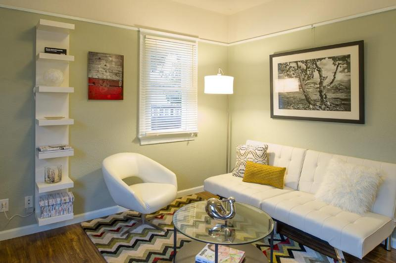 Modern Charm Near Downtown - One Bedroom - Image 1 - Pacific Beach - rentals