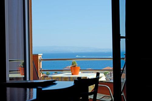 Stunning views at islands - Holiday studio apartment  in exclusive villa Trogir with pool - Okrug Gornji - rentals