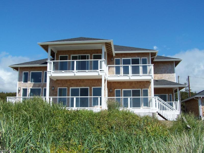 The View Master! - Ocean Front Luxury Home Every Room has a View! - Waldport - rentals