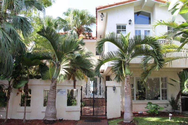 South Beach Waterfront Island Mansion- Heated Pool - Image 1 - Miami Beach - rentals
