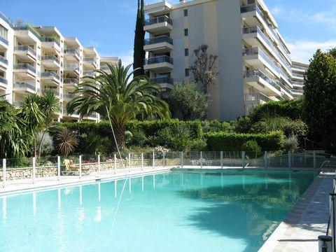 Large studio 4 persons near the center - Image 1 - Cannes - rentals