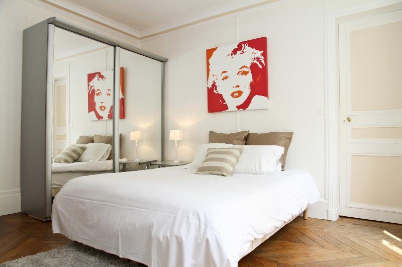 Bedroom - 10. PRESTIGE APARTMENT - SAINT HONORE - LOUVRE - Paris - rentals