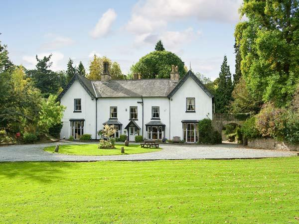 BROOKSIDE MANOR HOUSE luxury house with pool, tennis, gym, sauna, hot tub in Bronygarth Ref 21880 - Image 1 - Bronygarth - rentals
