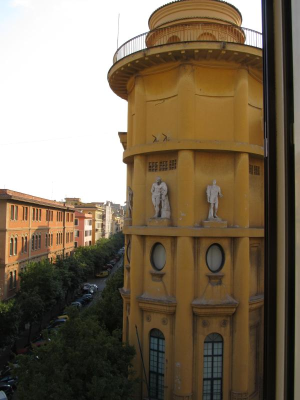 5 min to vatican, share home with us. - Image 1 - Rome - rentals