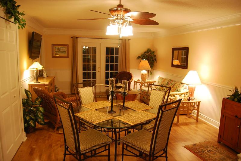 Dining area - Luxury Condo - Close to beach - Aug. Specials - Fernandina Beach - rentals