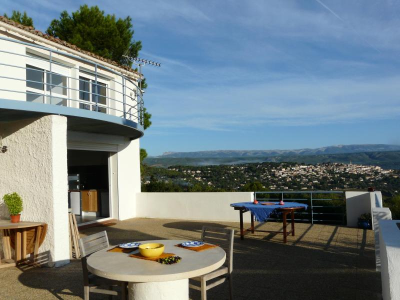 East facing terrace with 180 degree views of the valley & vineyards, ideal for sunrise - L'Amiradou Stunning 4 Bedroom Villa with Pool and Fireplace, Cadiere - La Cadiere d'Azur - rentals