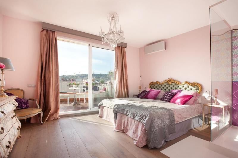 Pink Room - Charming, Stylish 2BR Penthouse 2 Amazing Terraces - Barcelona - rentals