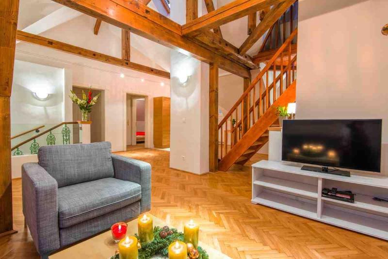 CasaNeve - Apartment Valentina - Austrian Skiing - Image 1 - Bad Gastein - rentals