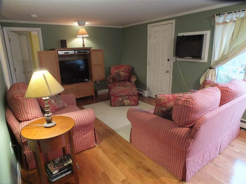 Sweet 3 Bd - bike to town! - WCLEA - Image 1 - Wellfleet - rentals