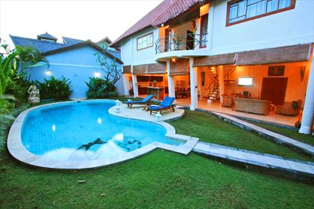 View From front gate - Villa Dolphin 2 Large Beds Seminyak Bali Indonesia - Denpasar - rentals