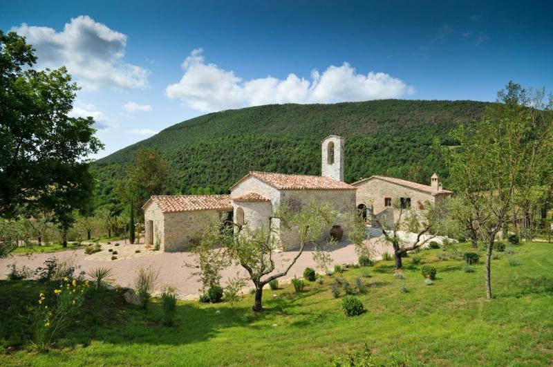 Chiesa Del Carmine - Chiesa Del Carmine, Luxury Umbrian Villa Sleeps 14 - Pierantonio - rentals