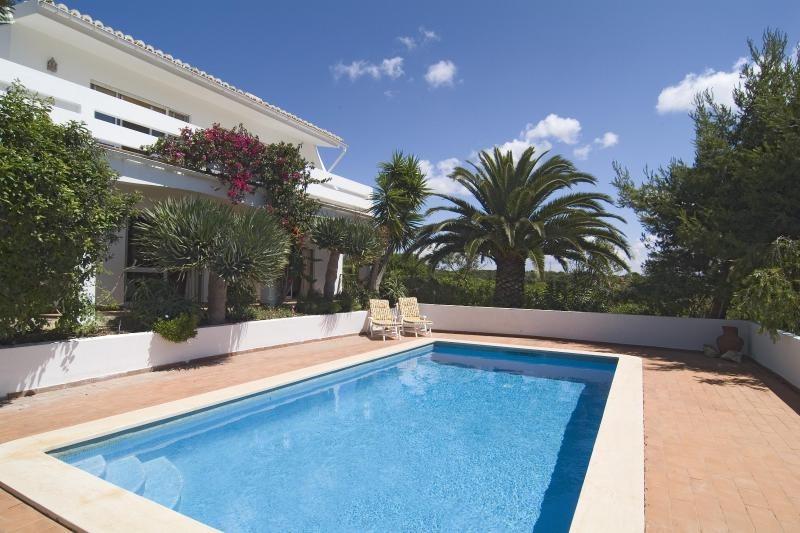 Lovely 3bdr villa next to famous Salema Beach - Image 1 - Salema - rentals
