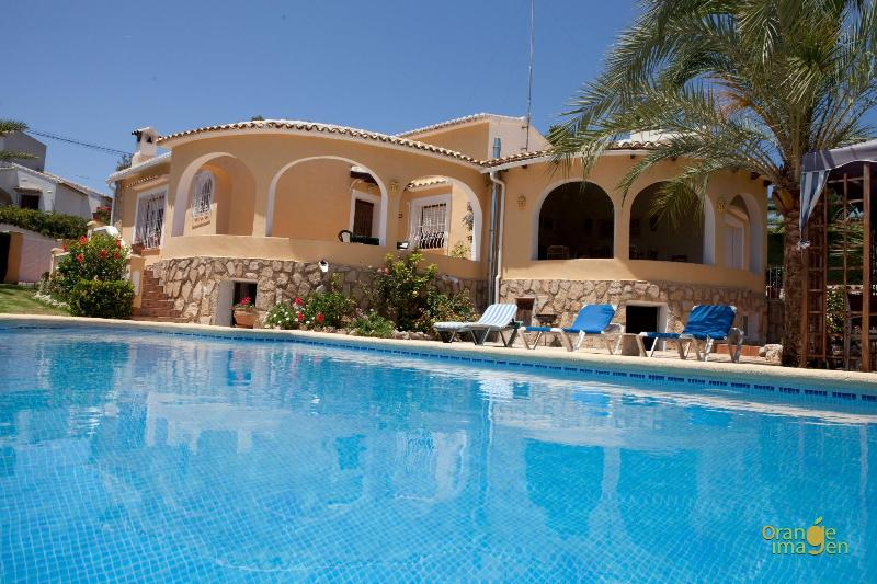 3 bedroom luxury villa with private pool & garden - Image 1 - Teulada - rentals