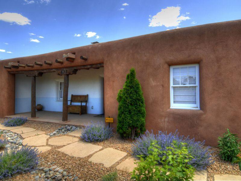 Authentic Pueblo Style - Gorgeous on Garcia: Lux 2 BR 2 BA, Walk to Plaza - Santa Fe - rentals