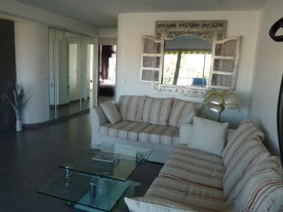 Beausejour Cannes 2 Bedroom Flat with a Terrace - Image 1 - Cannes - rentals