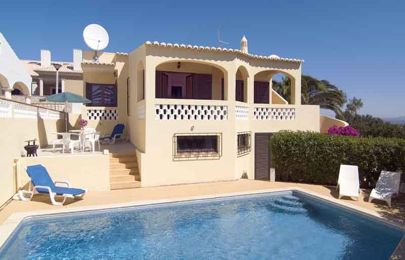 lovely 2bdr villa sea views at Praia da Luz - Image 1 - Lagos - rentals