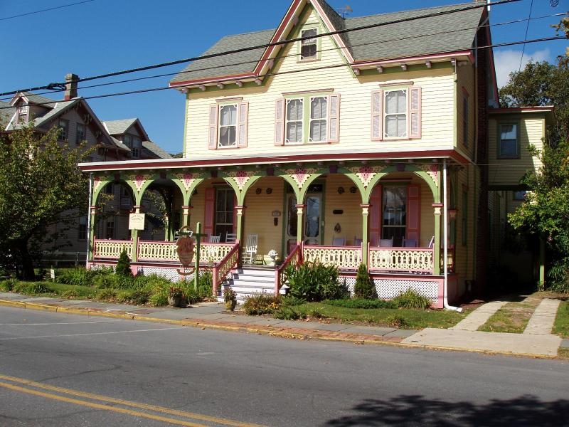 Ashley rose in the sunshine - A Victorian B&B, 2 bks to bch & more (location!) - Cape May - rentals