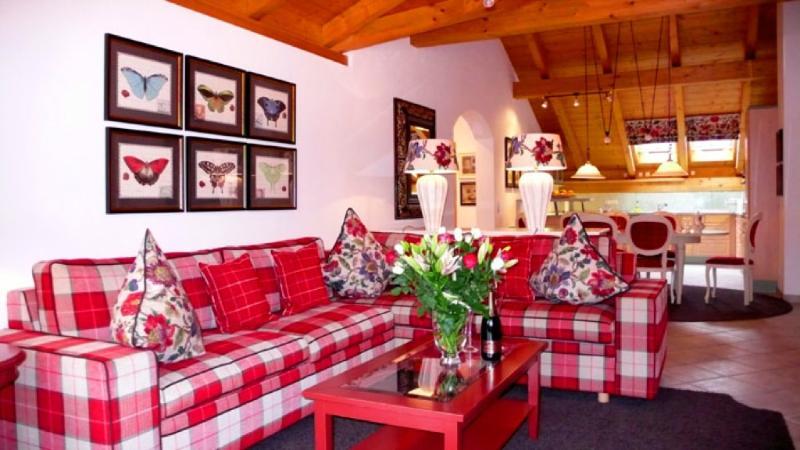 Living Room (1) - LLAG Luxury Vacation Apartment in Garmisch-Partenkirchen - 1345 sqft, comfortable, bright, nice views… - Garmisch-Partenkirchen - rentals