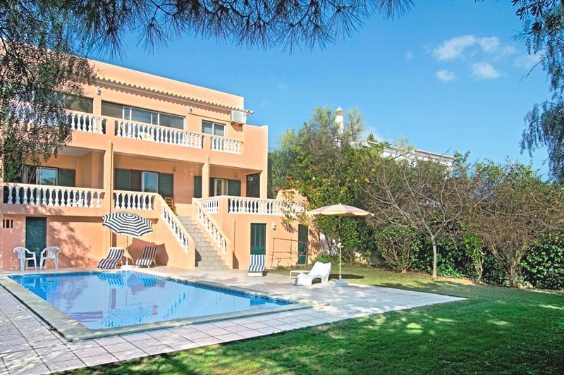 Comfortable 4bdr Villa w/ magnific Atlantic view - Image 1 - Lagos - rentals