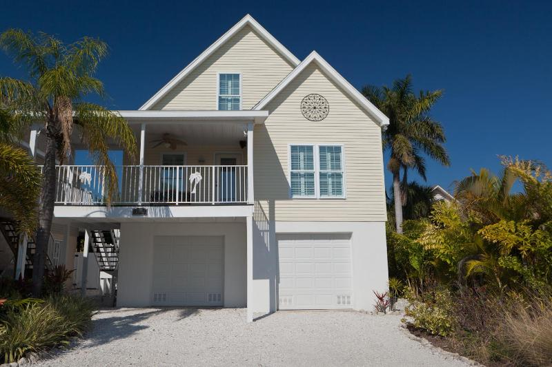 Happy Island Cottage - Anna Maria Island - Happy Island Cottage with heated private Pool - Holmes Beach - rentals