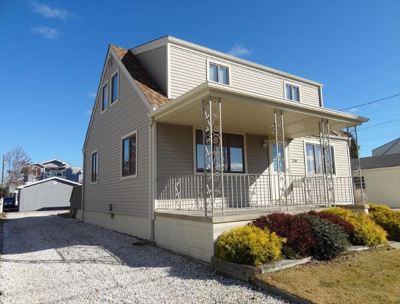 220 89th Street Stone Harbor NJ Front Exterior View - 220 89th Street in Stone Harbor, NJ - ID 526748 - Stone Harbor - rentals