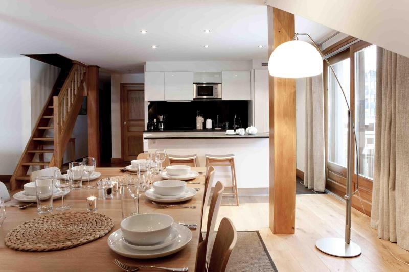 Deuxieme Ligne Grand Dining Area - Melee Apartments, Argentiere, Chamonix - Argentiere - rentals