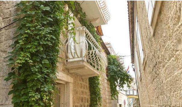 Charming house - Charming two bedroom studio apartment near center Trogir - Trogir - rentals