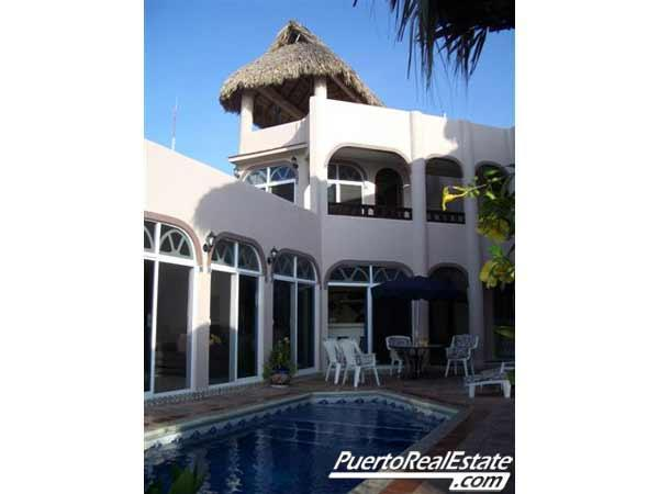 Backside pool view of Casa De La Paz - Casa De La Paz: Luxury, 4BR home overlooking bay - Puerto Escondido - rentals