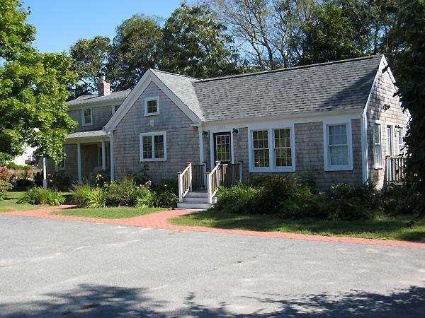 Expansive Luxury Home in Chatham (1111) - Image 1 - Chatham - rentals