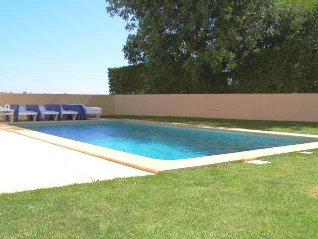 Comfortable 4bdr villa next famous Salgados resort - Image 1 - Albufeira - rentals