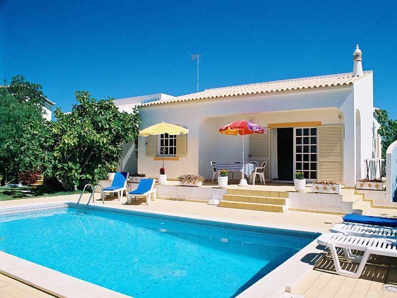 Lovely villa in Cerro de Aguia,overlooking marina - Image 1 - Albufeira - rentals