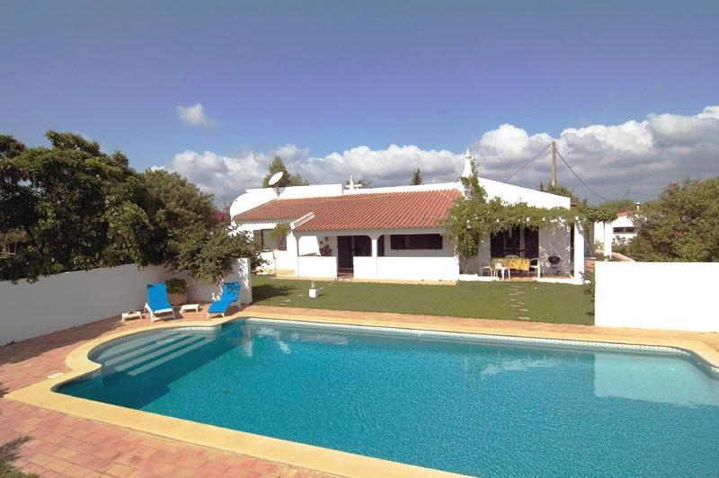 Cosy house, large gardens in quiet rural scenery - Image 1 - Lagos - rentals