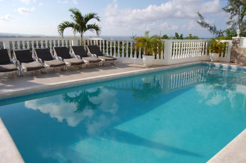 PARADISE PTG - 102907 - BRAND NEW | LUXURY 5 BED VILLA WITH POOL | NEAR BEACH - RUNAWAY BAY - Image 1 - Discovery Bay - rentals