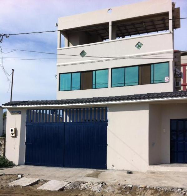 Front from the street - Casa Iguana - Playas - rentals