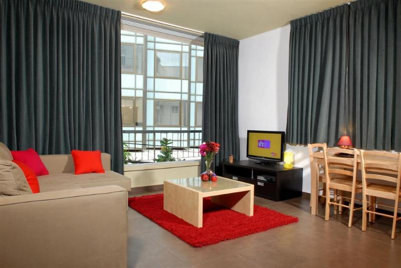 Living Room - A-M-A-Z-I-N-G 2 BR APT IN FRONT OF THE BEACH , TLV - Tel Aviv - rentals