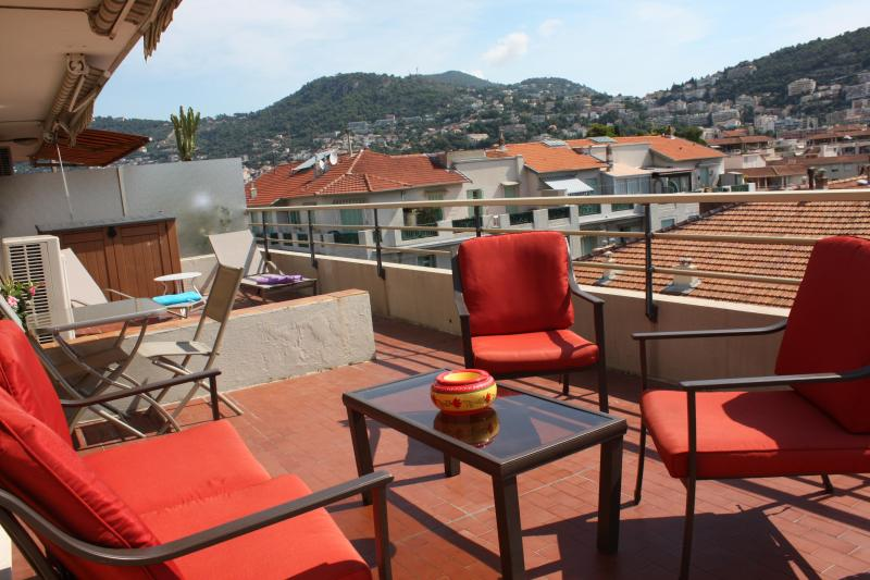 Le Philibert 3 Bedroom Apartment with a Grill and Terrace, in Nice - Image 1 - Nice - rentals