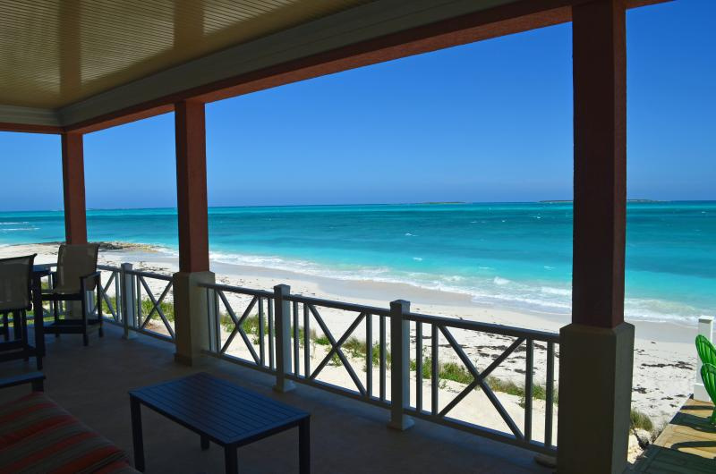 view to the west - NEMO HOUSE - Beachfront - 4 couples/2 families ! - Great Exuma - rentals