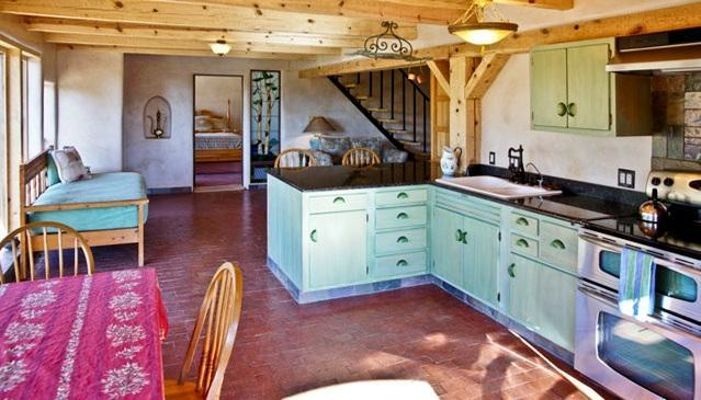 BRIGHT KITCHEN/LIVING ROOM COMBINED - Mountain Retreat Minutes from Santa Fe - Santa Fe - rentals