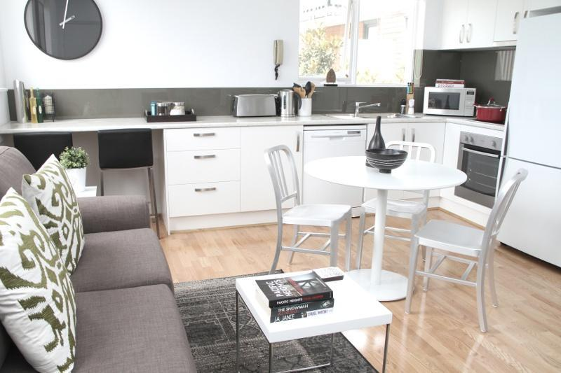 Hot Location 1 BR FREE WIFI - Image 1 - Melbourne - rentals